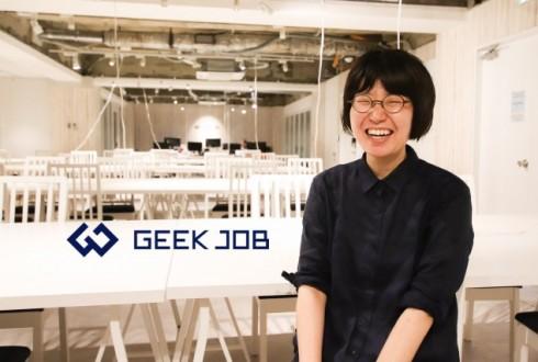 【卒業生インタビュー】「現場ではコミュニケーションが本当に大切」営業職からエンジニアへ