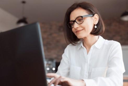 エンジニアへの転職を考えている女性が気になるポイントを徹底解説